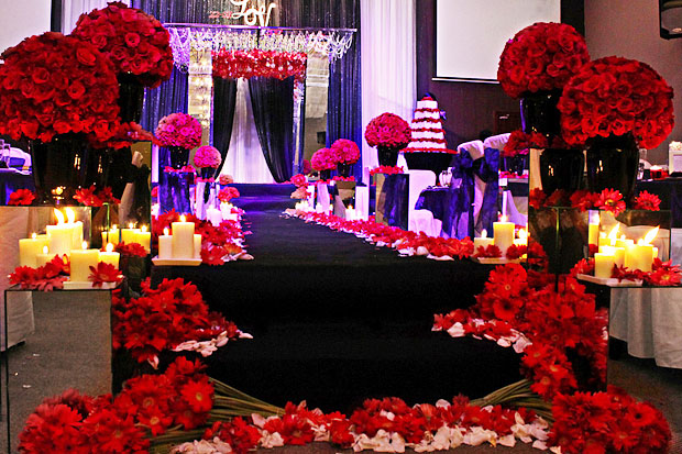 Mùa đông, nên chọn tông trang trí tiệc cưới nào?
